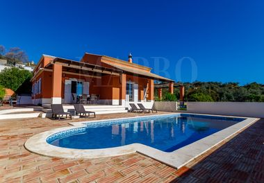 Elegant 4 Bedroom Country Villa