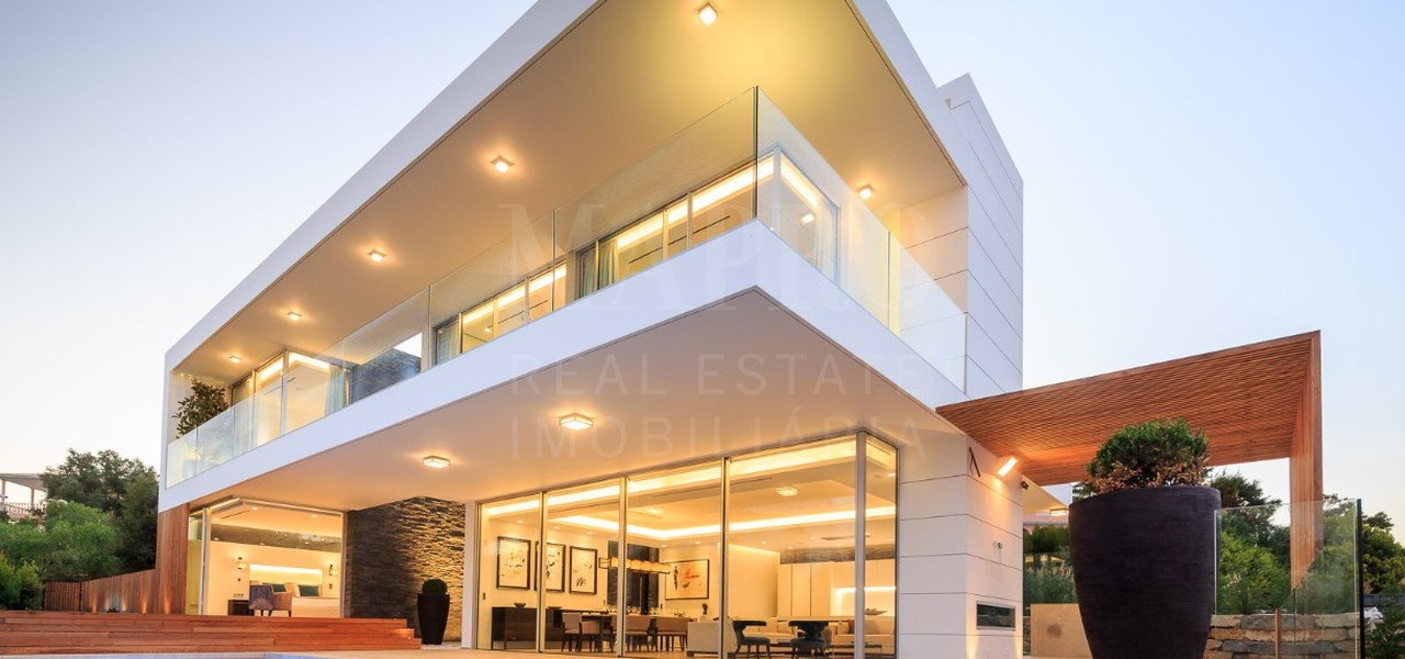 Contemporary villa in Praia da Luz in Lagos