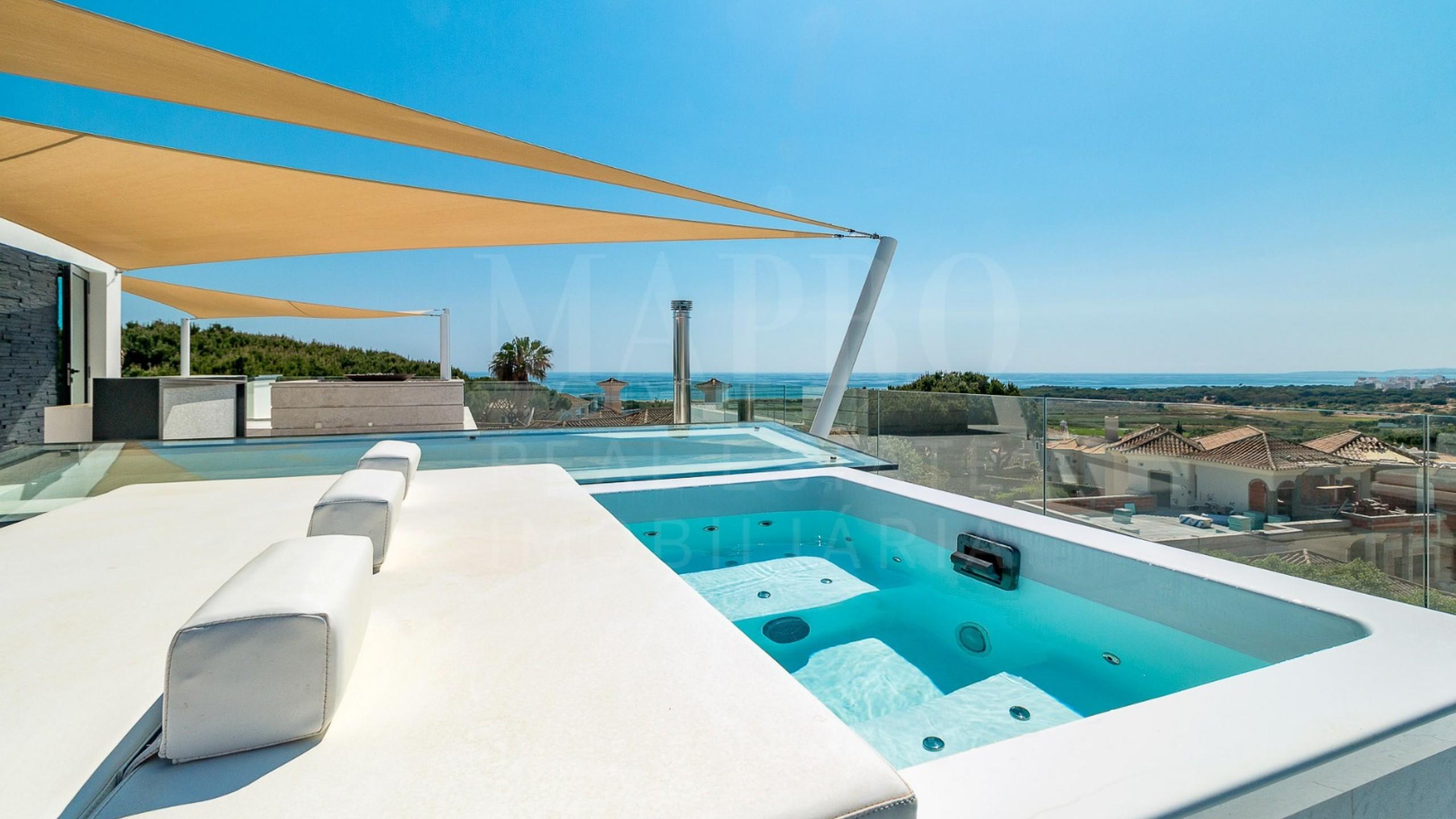 Terrace avec jacuzzi