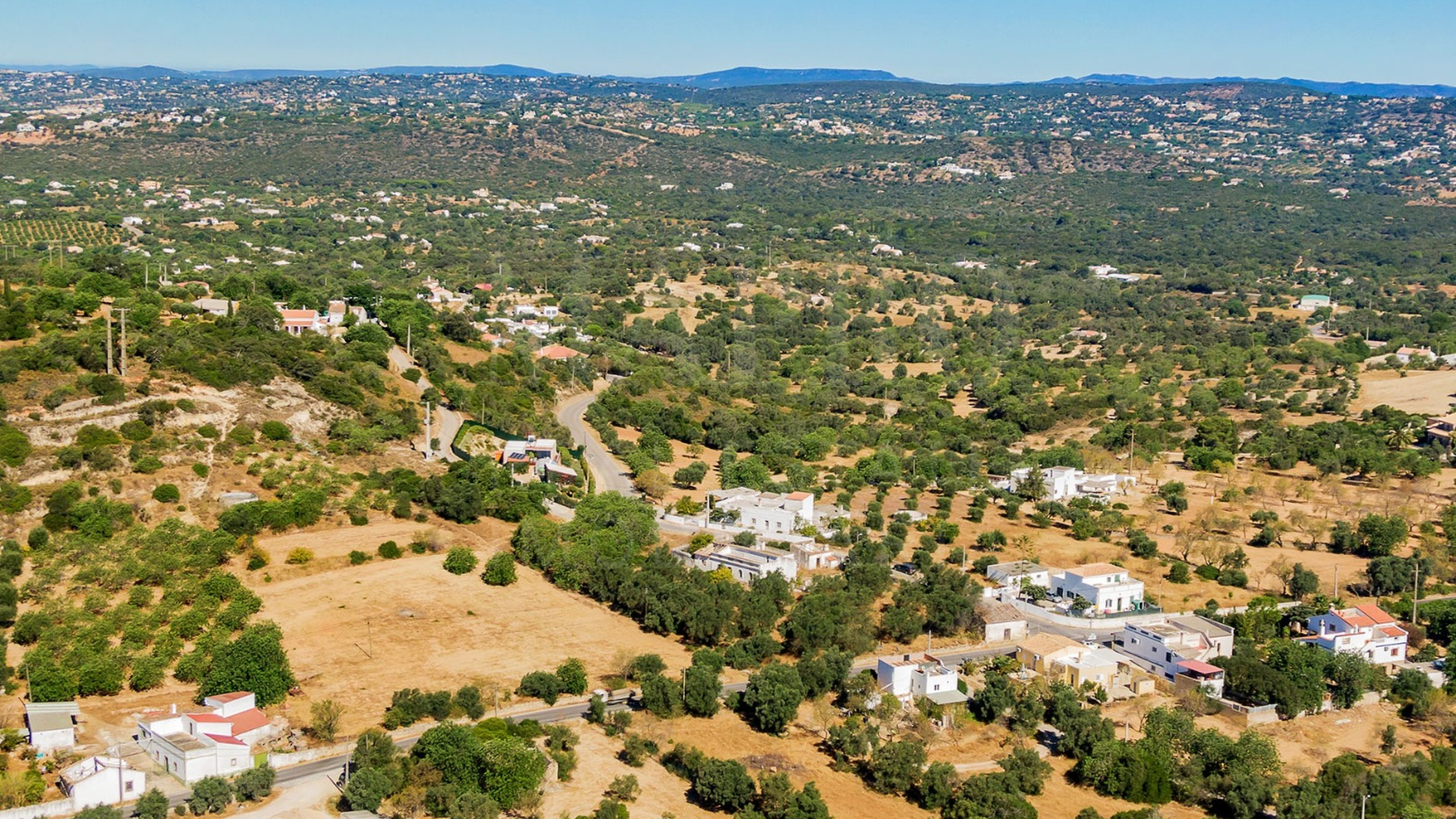 Terreno em Santa Bárbara de Nexe, Algarve