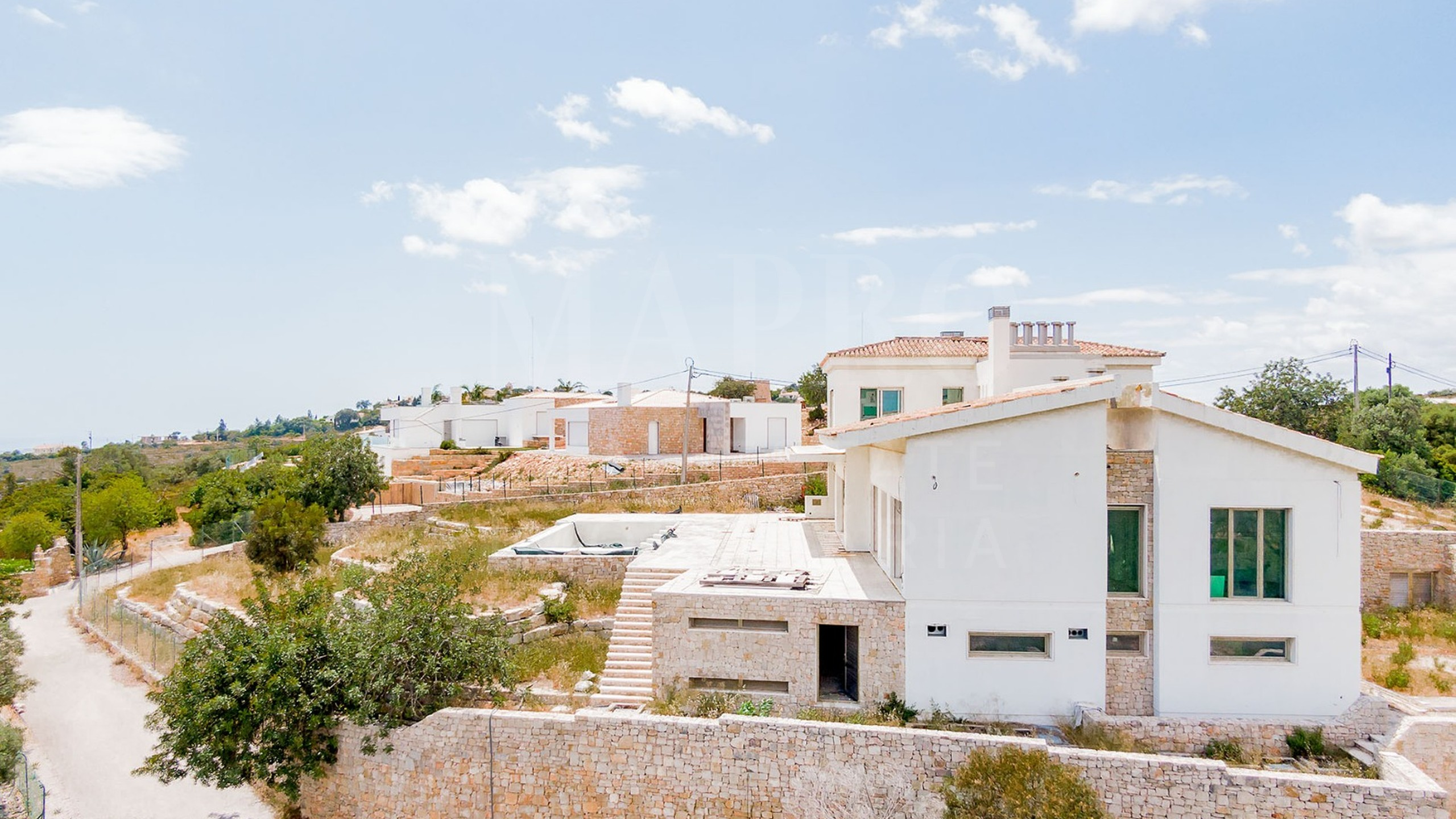 Villa to be completed in the countryside of Loulé