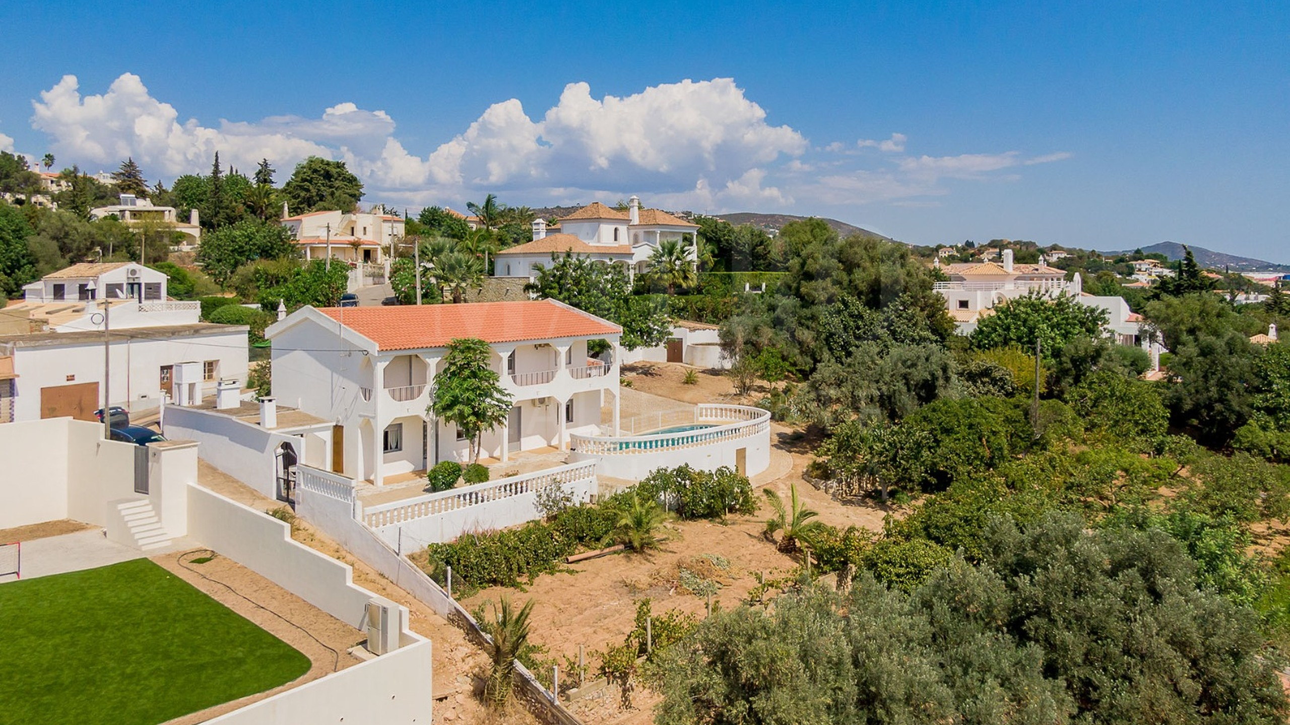 Villa for sale in Vale Formoso, Algarve