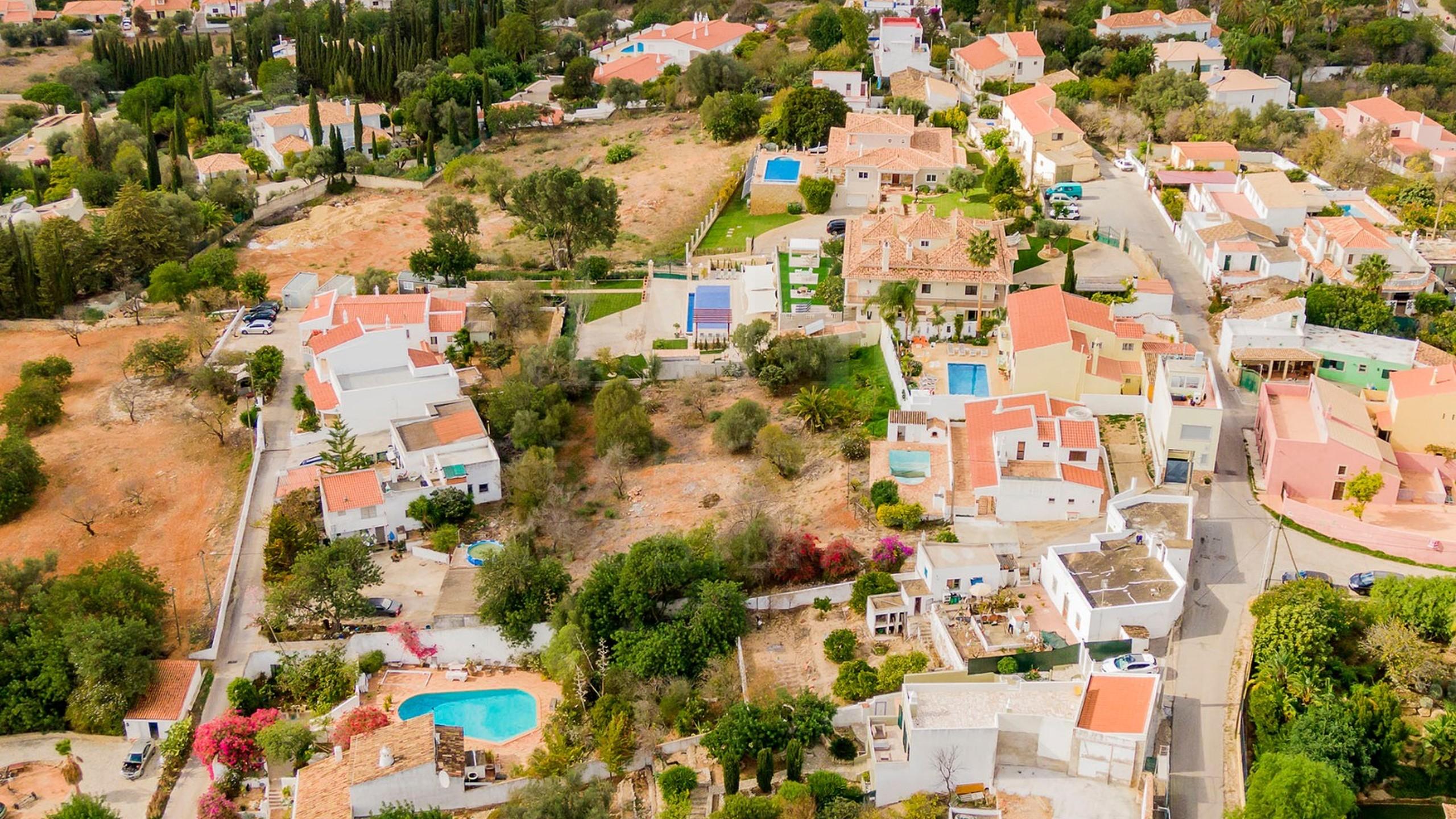 Plot for sale in Algarve