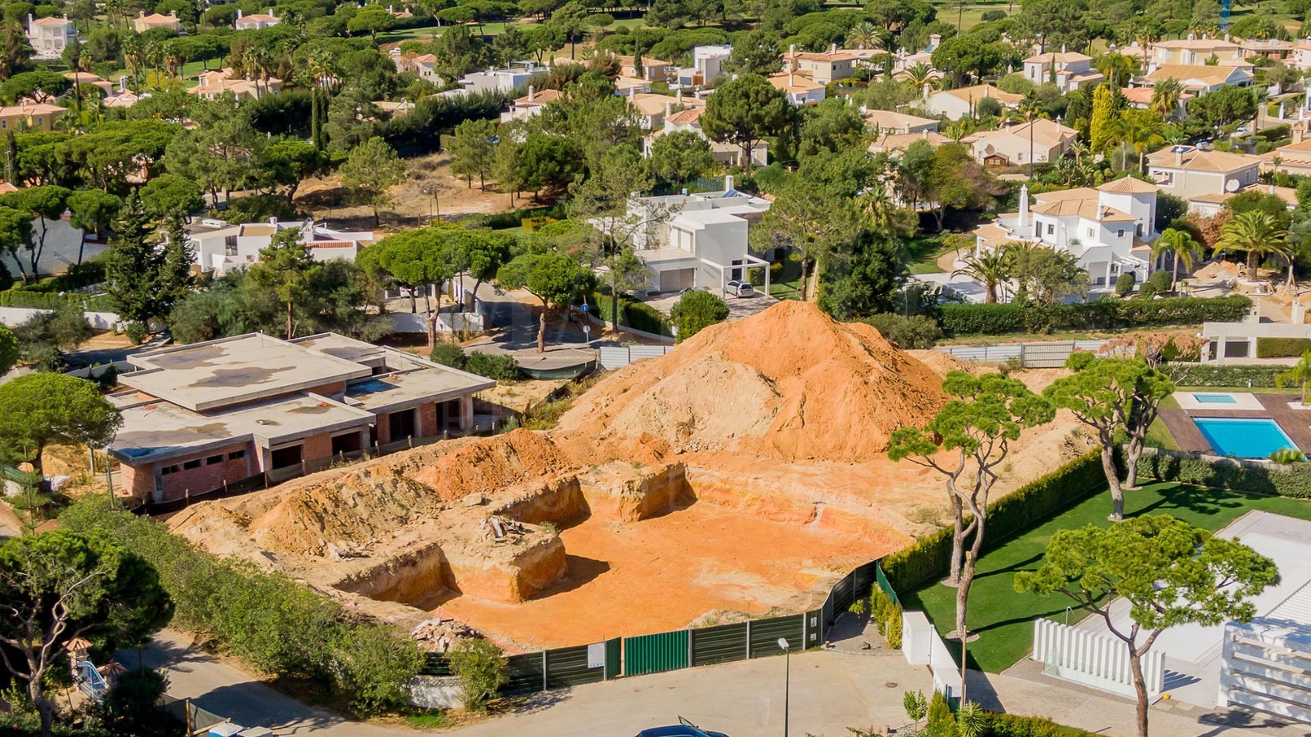 Villa under construction in Vila Sol Golf Resort