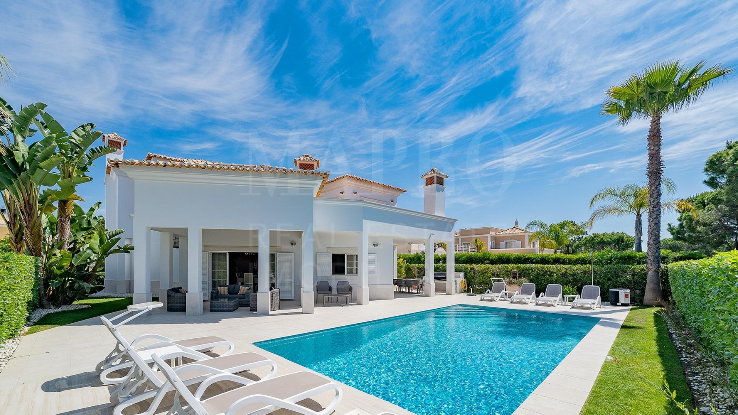 Villa de 4 chambres à vendre à Varandas do Lago
