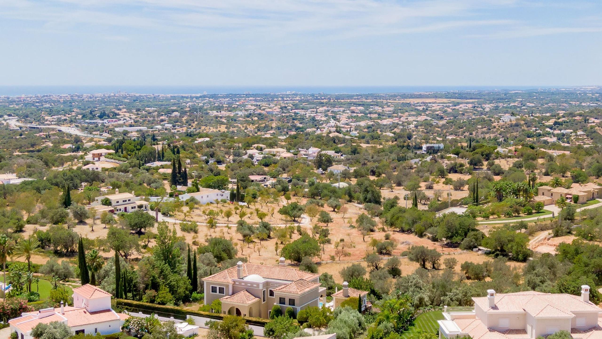 Villa for sale in Vale Formoso, Algarve