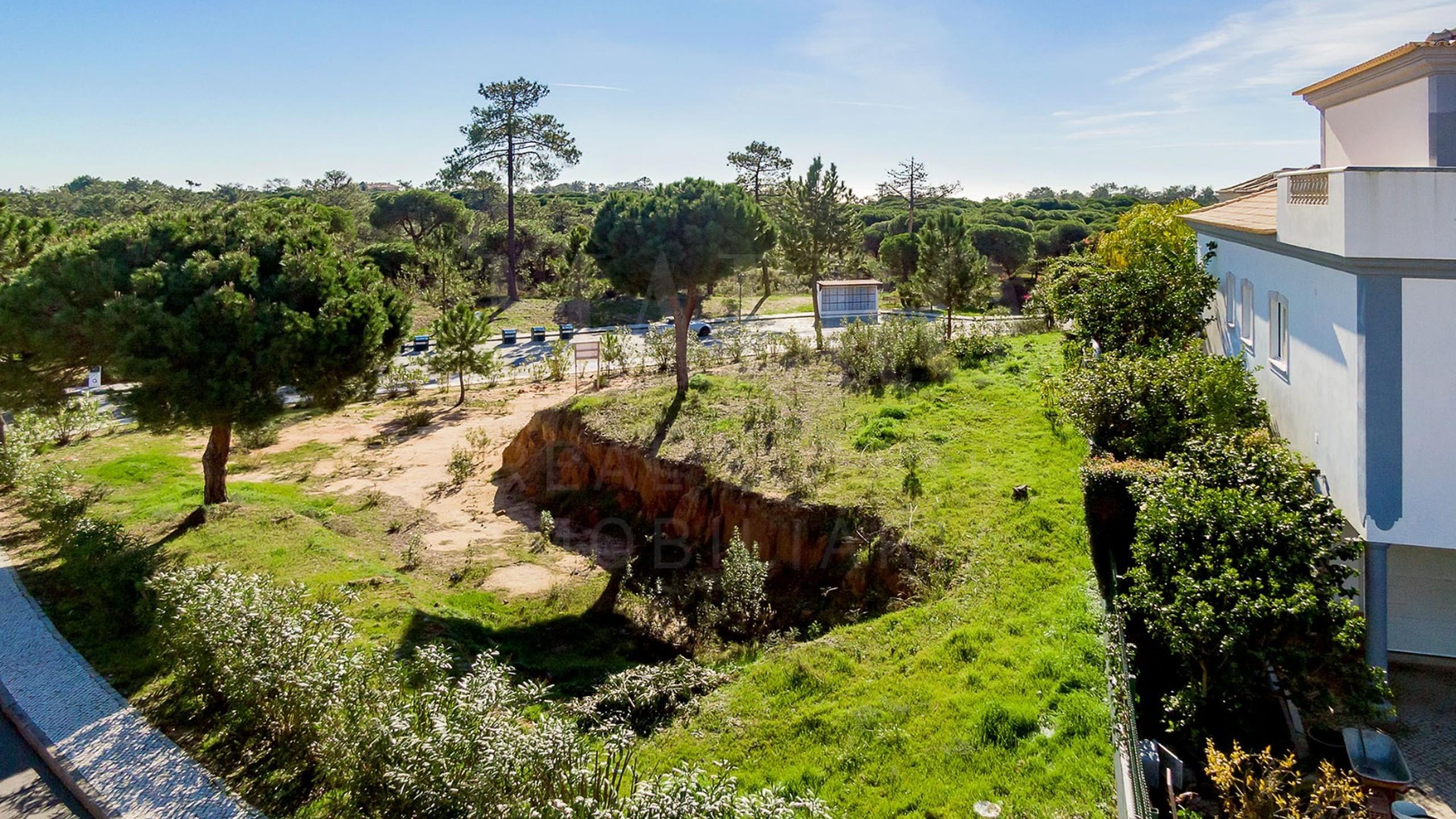 Terrain à vendre entre Vale do Lobo et Quinta do Lago