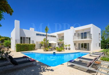 Well Appointed 4 Bedroom Villa