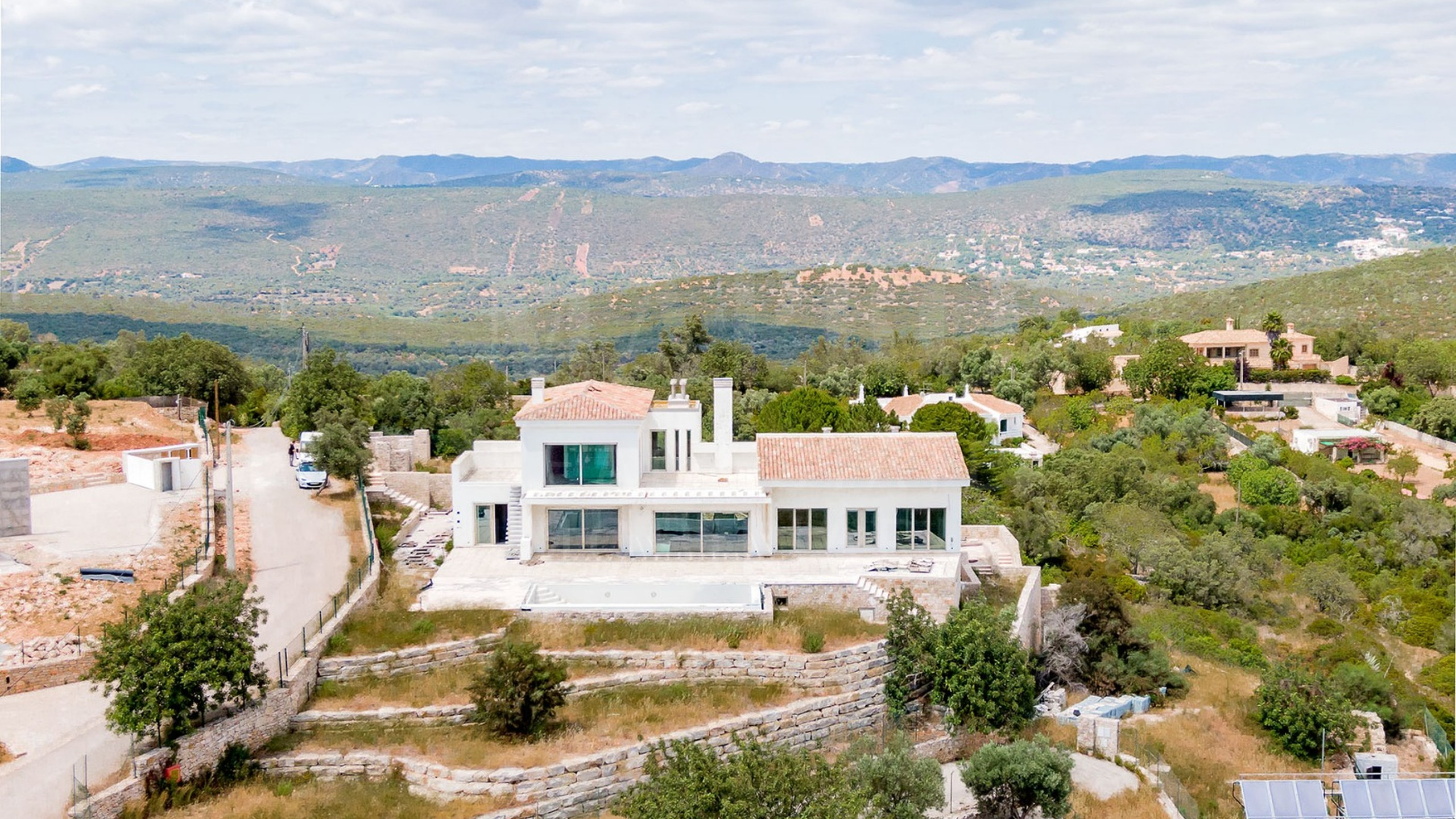 Villa with stunning views for sale in the countryside of Loulé
