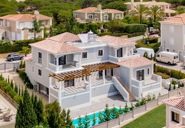 Brand New Villa Near the Beach