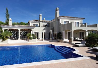 A Superb Villa in Quinta Verde
