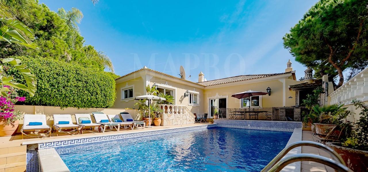 Spacious 4+1 bedroom villa