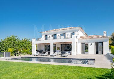 New Villa w/ Sea & Country Views
