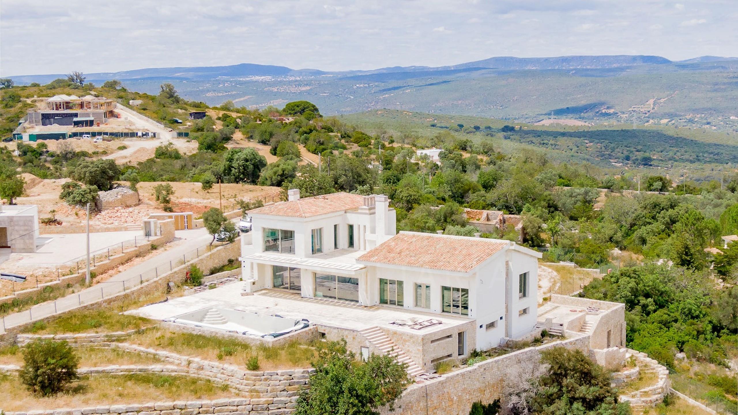 Villa for sale in Loulé