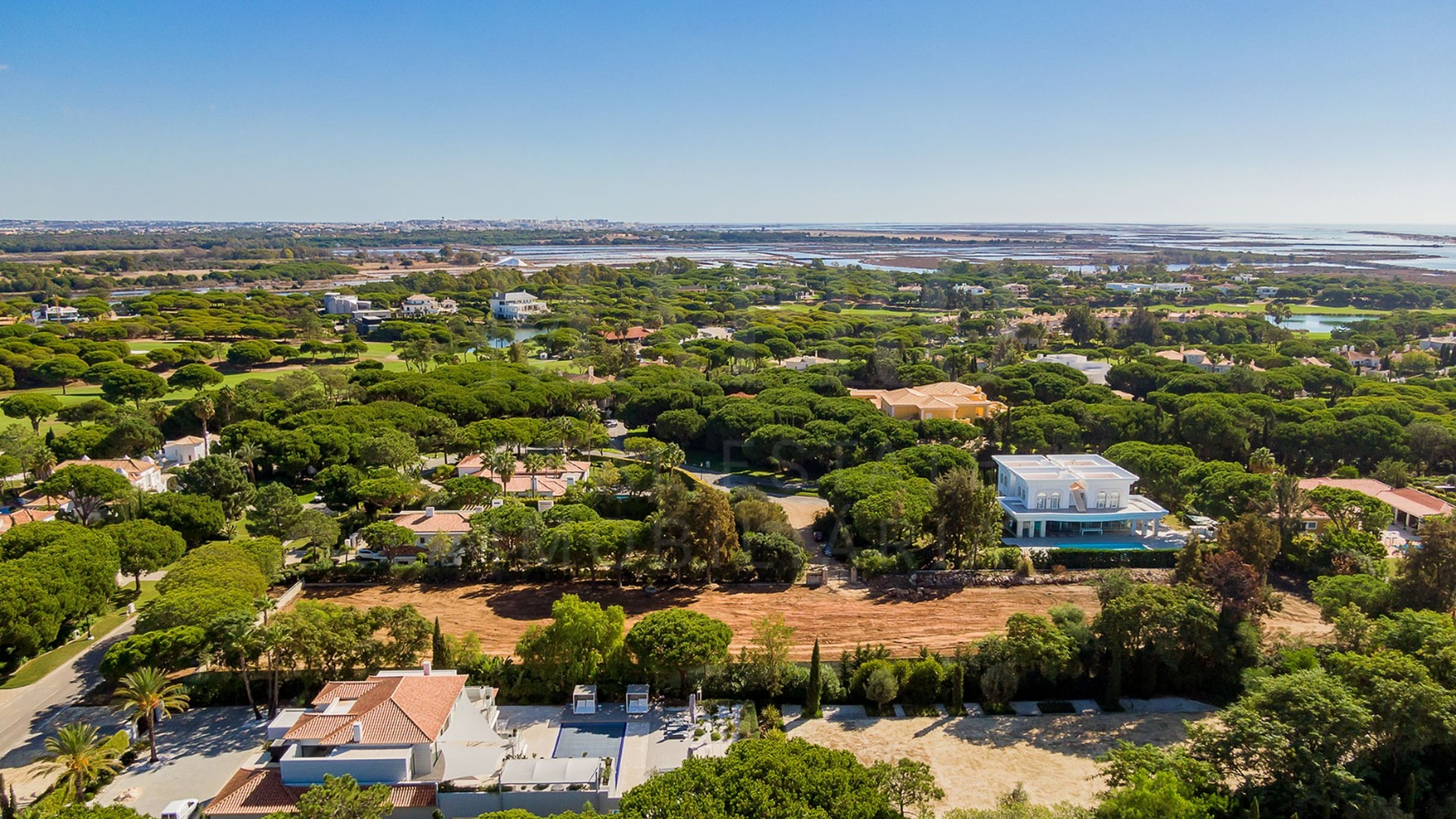 Plot for sale in Algarve with permission to build
