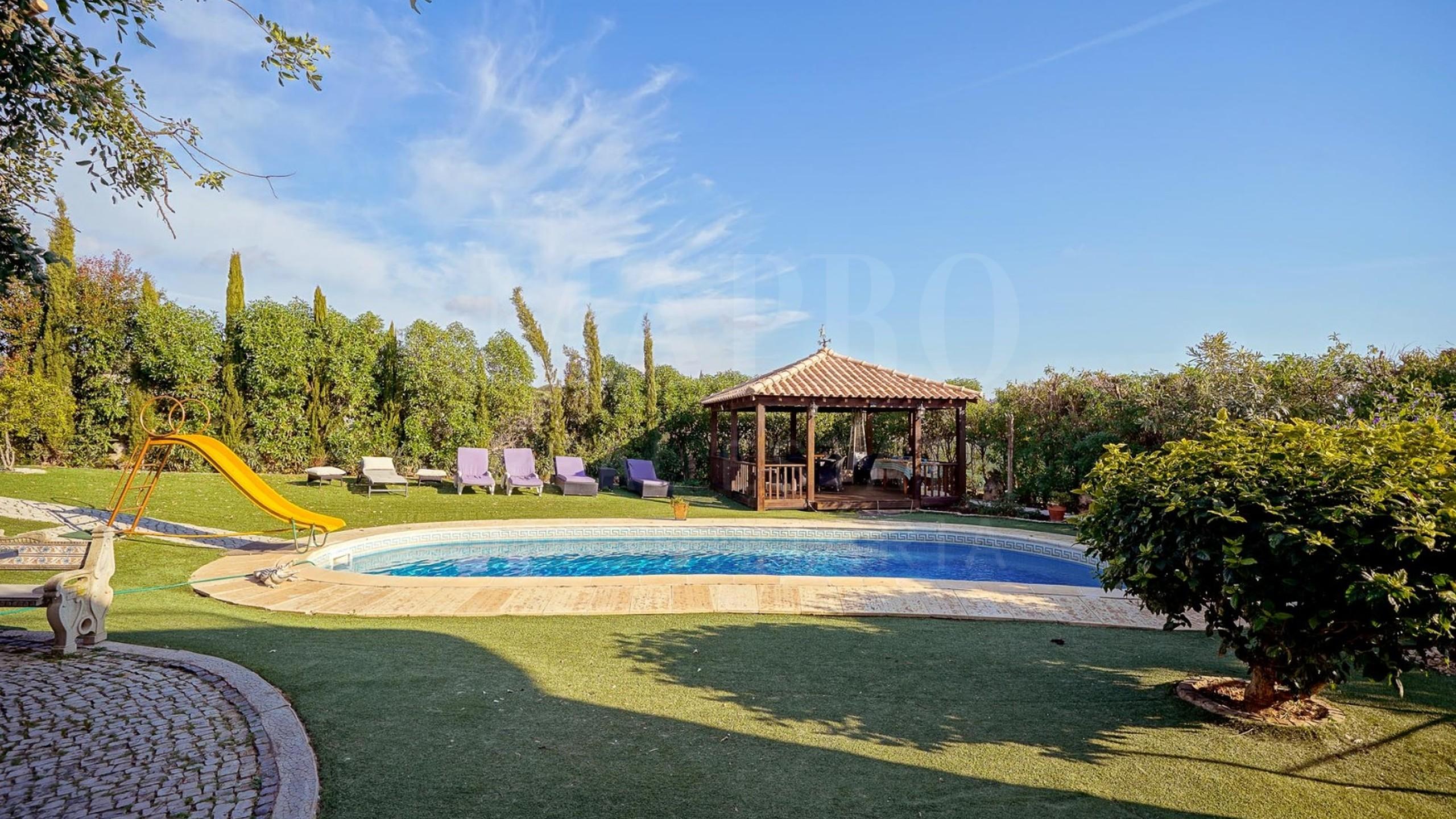piscine et jardim