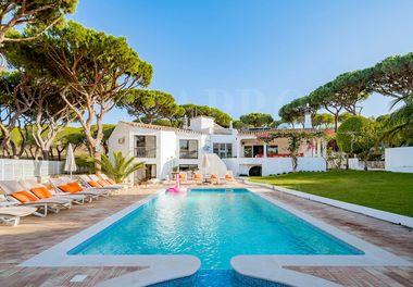 Authentic Villa w/ Guest House