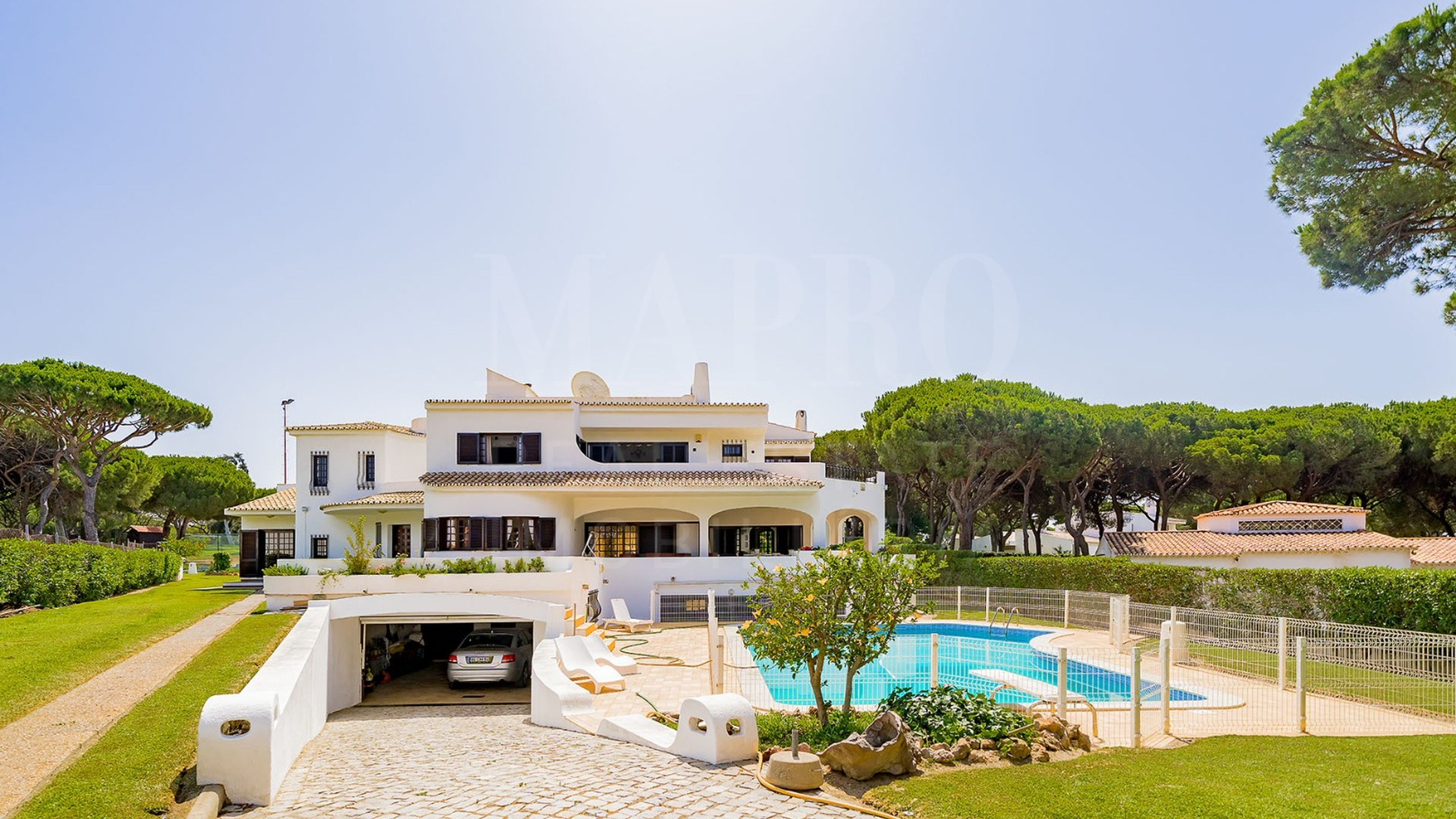 Villa for sale in Vilamoura, Algarve, Portugal