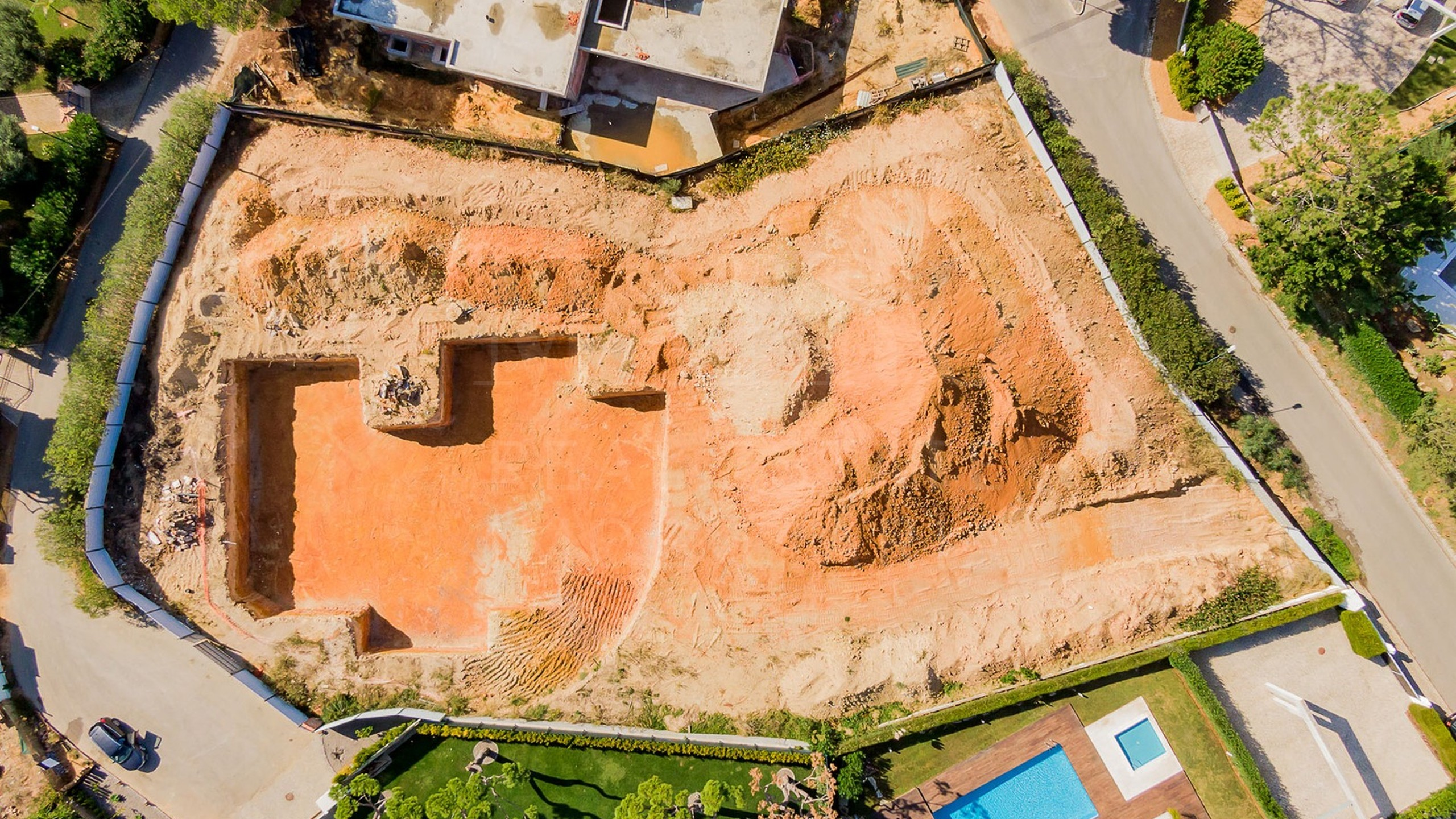 Modern villa under construction for sale in Vila Sol, Algarve