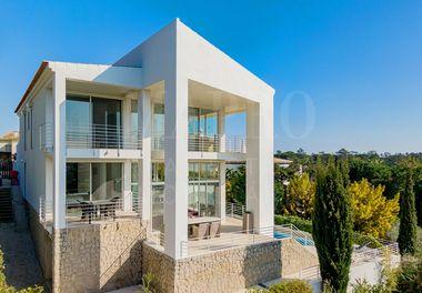 Modern Villa w/ Golf Views