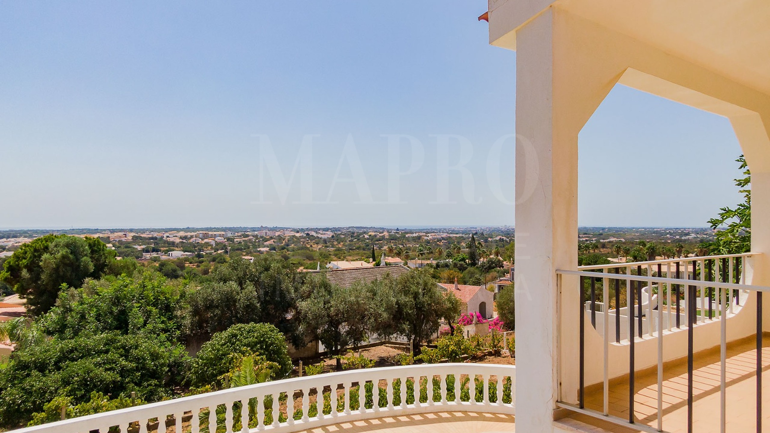 Villa in the countryside of Algarve for sale