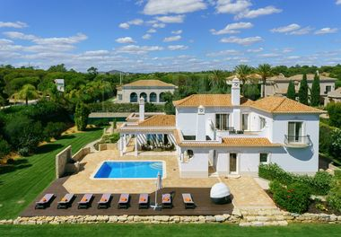 Beautifully Presented Villa