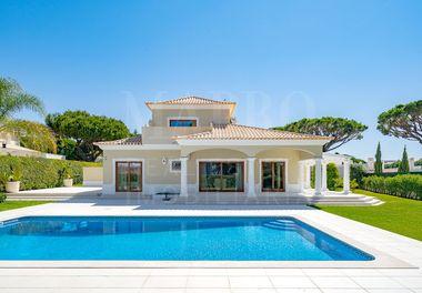 Villa de Style Classique Rénovée