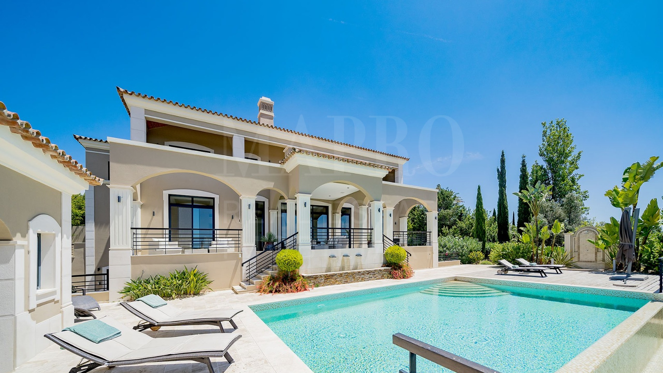 4+1 bedroom villa situated within the Vale Formoso area