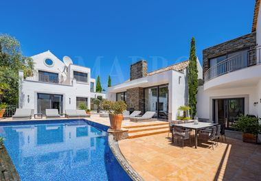 Villa de Style Campagnard et Contemporain