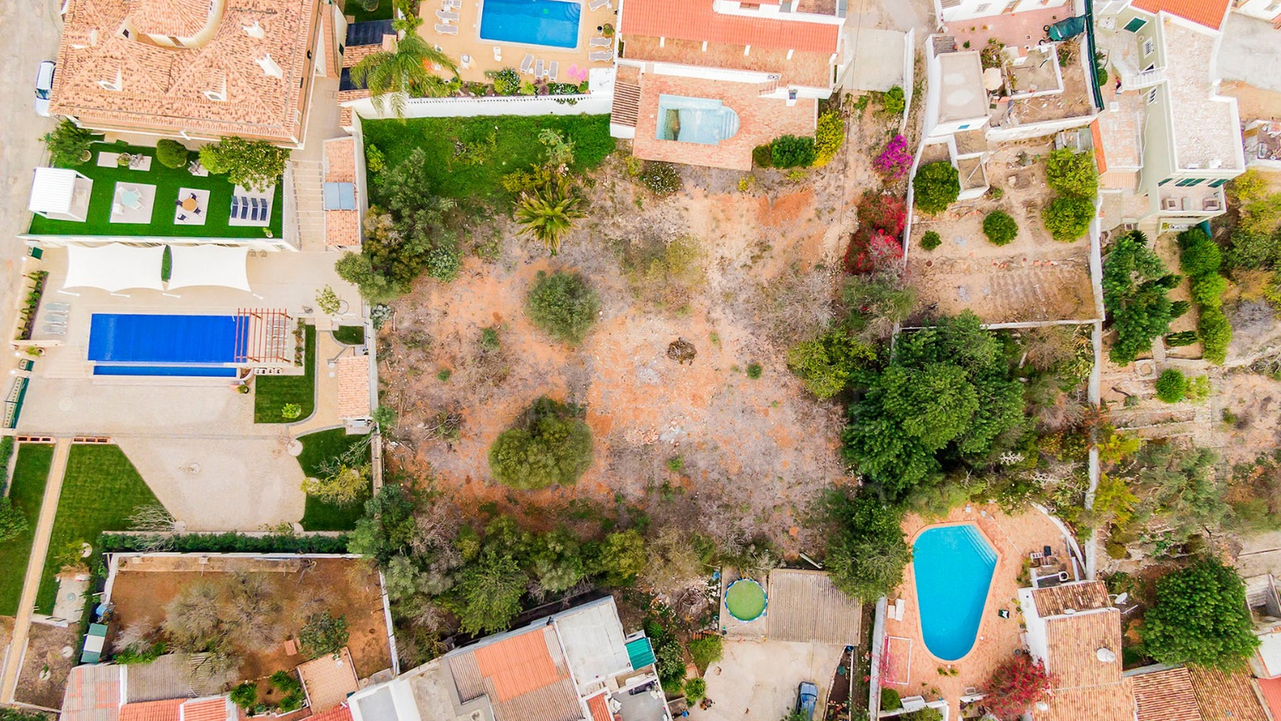 Plot of land for construction in Almancil for sale