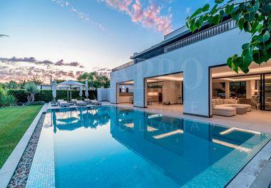 A Brand New Modern Villa