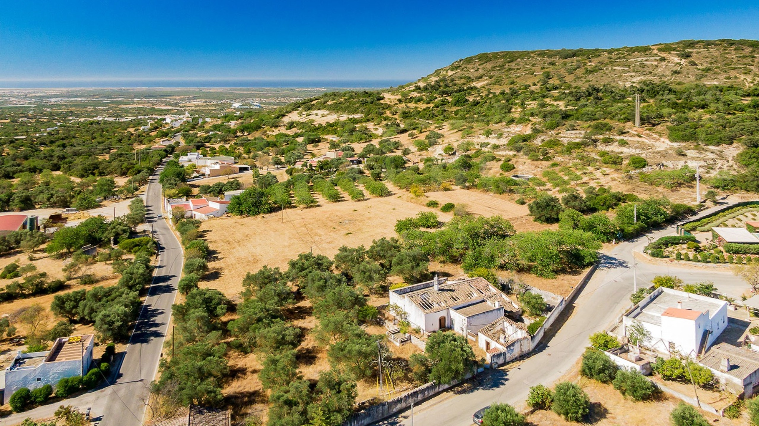 Building plot for sale near Faro