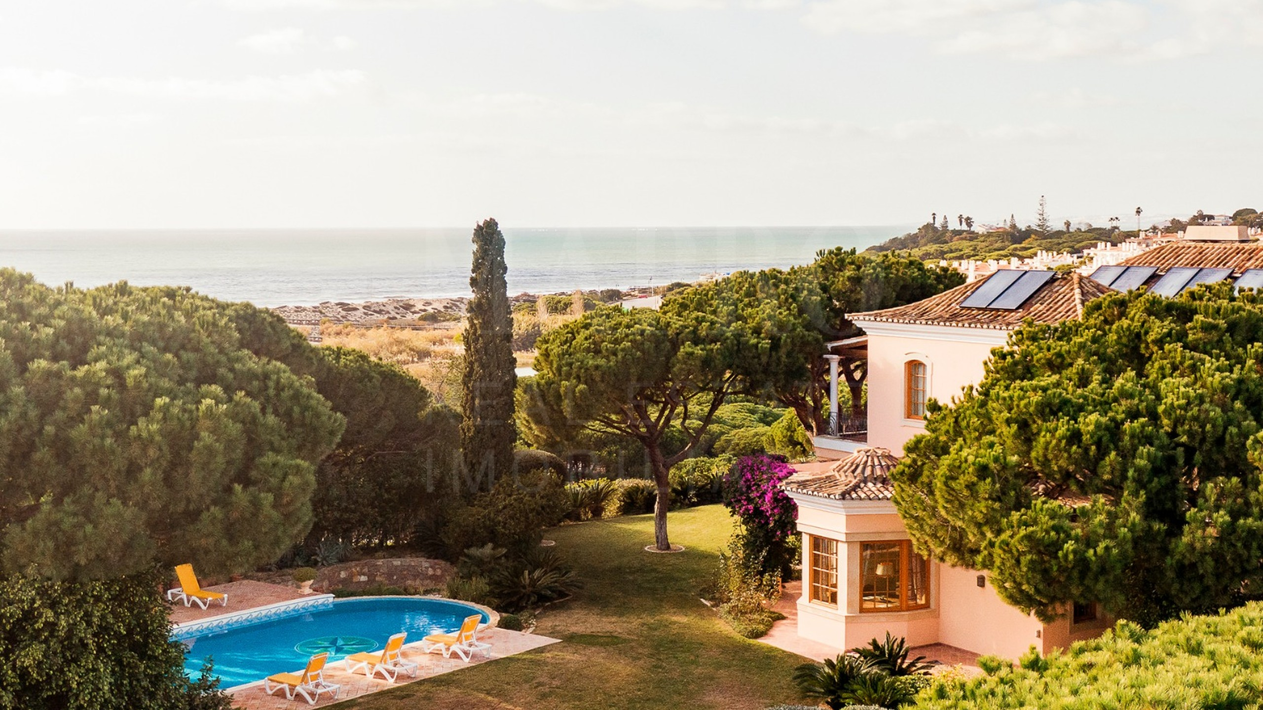 Villa for sale in Vale do Lobo with sea view
