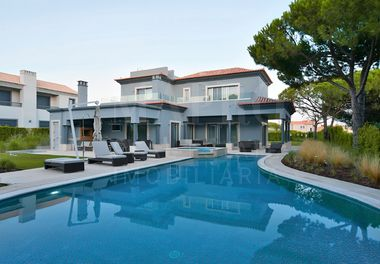 Outstanding New 6 Bed Villa