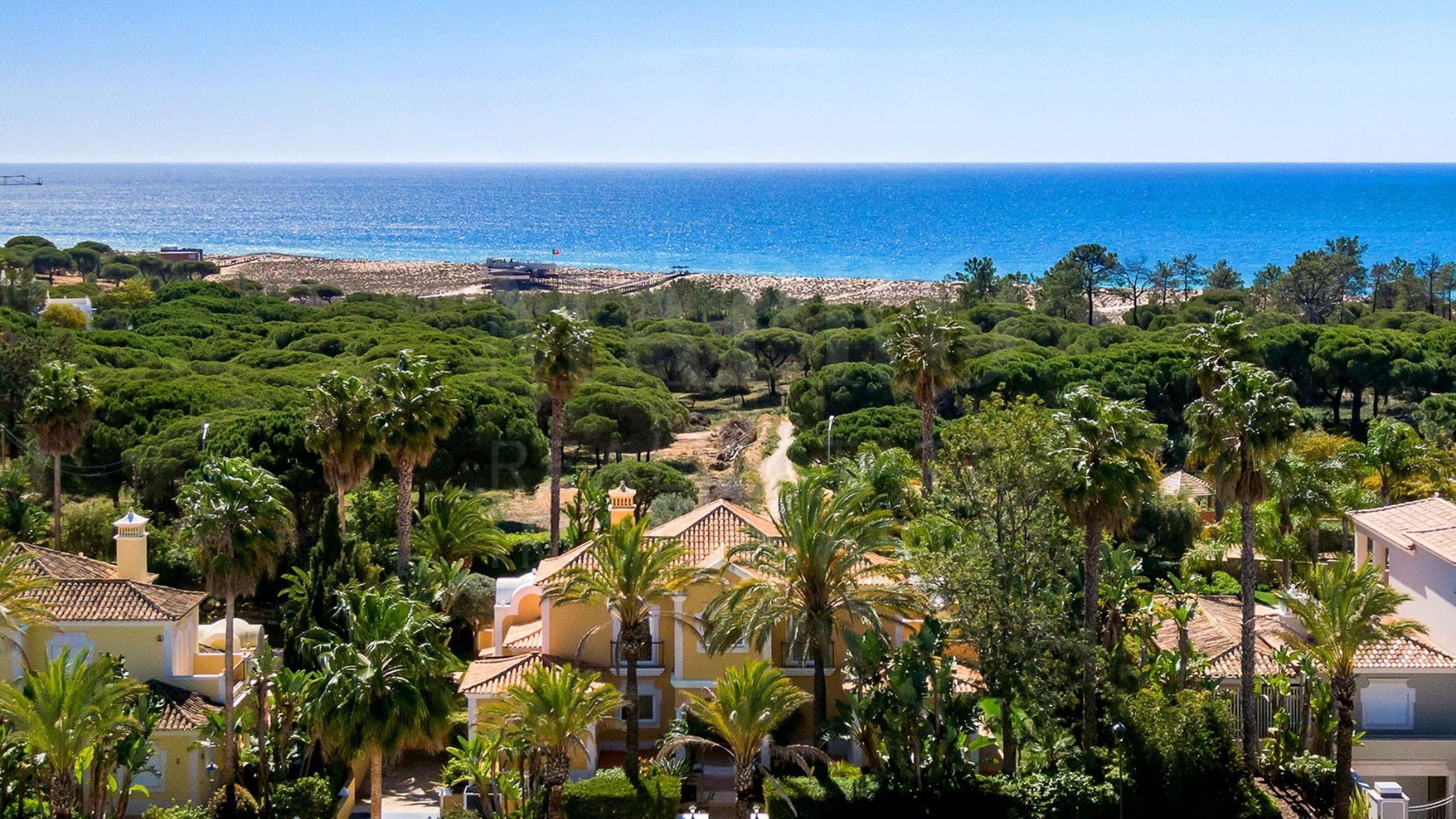 House for sale in Algarve near the sea