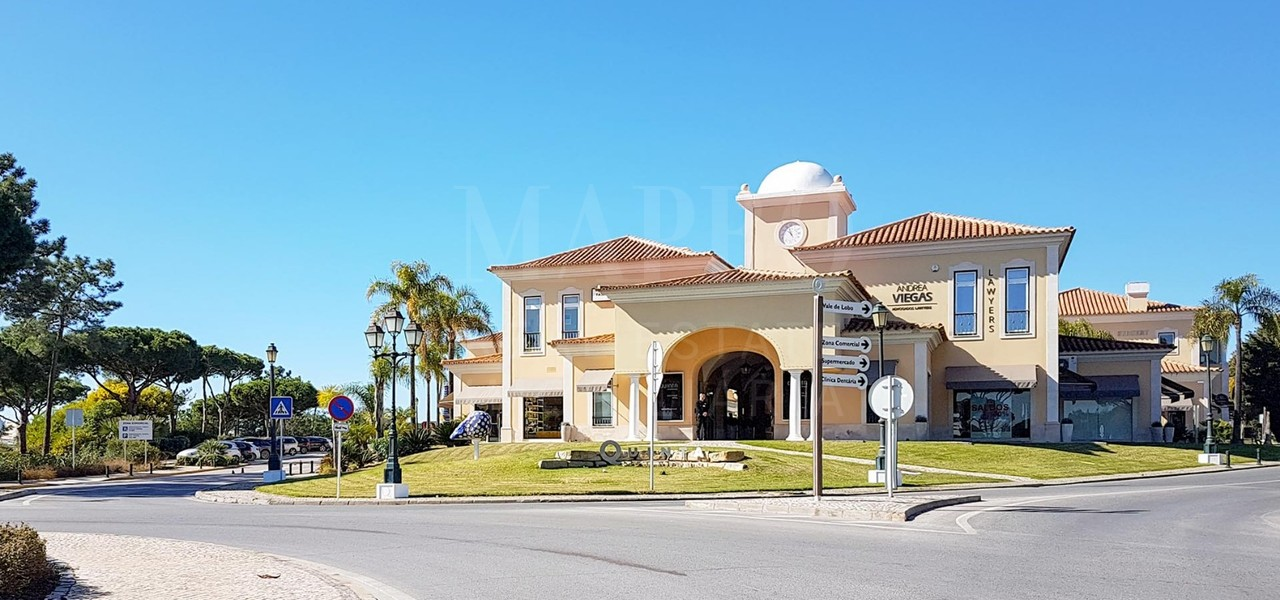 Commercial building for sale in Quinta do Lago