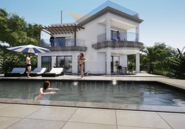 4 Bed Villa with Sea Views