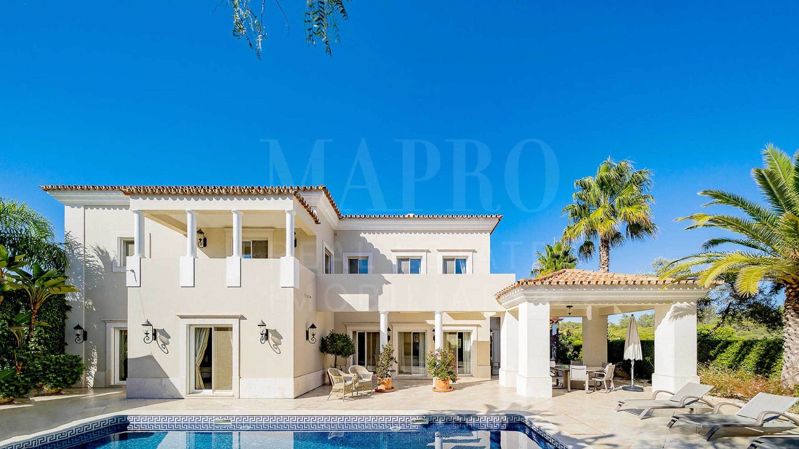 4+1 bedroom villa in Quinta do Mar, Algarve