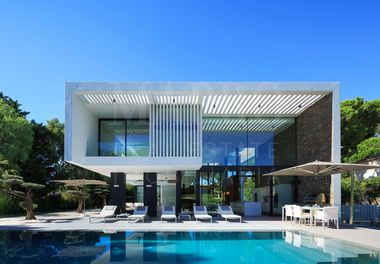 A Contemporary Super Villa
