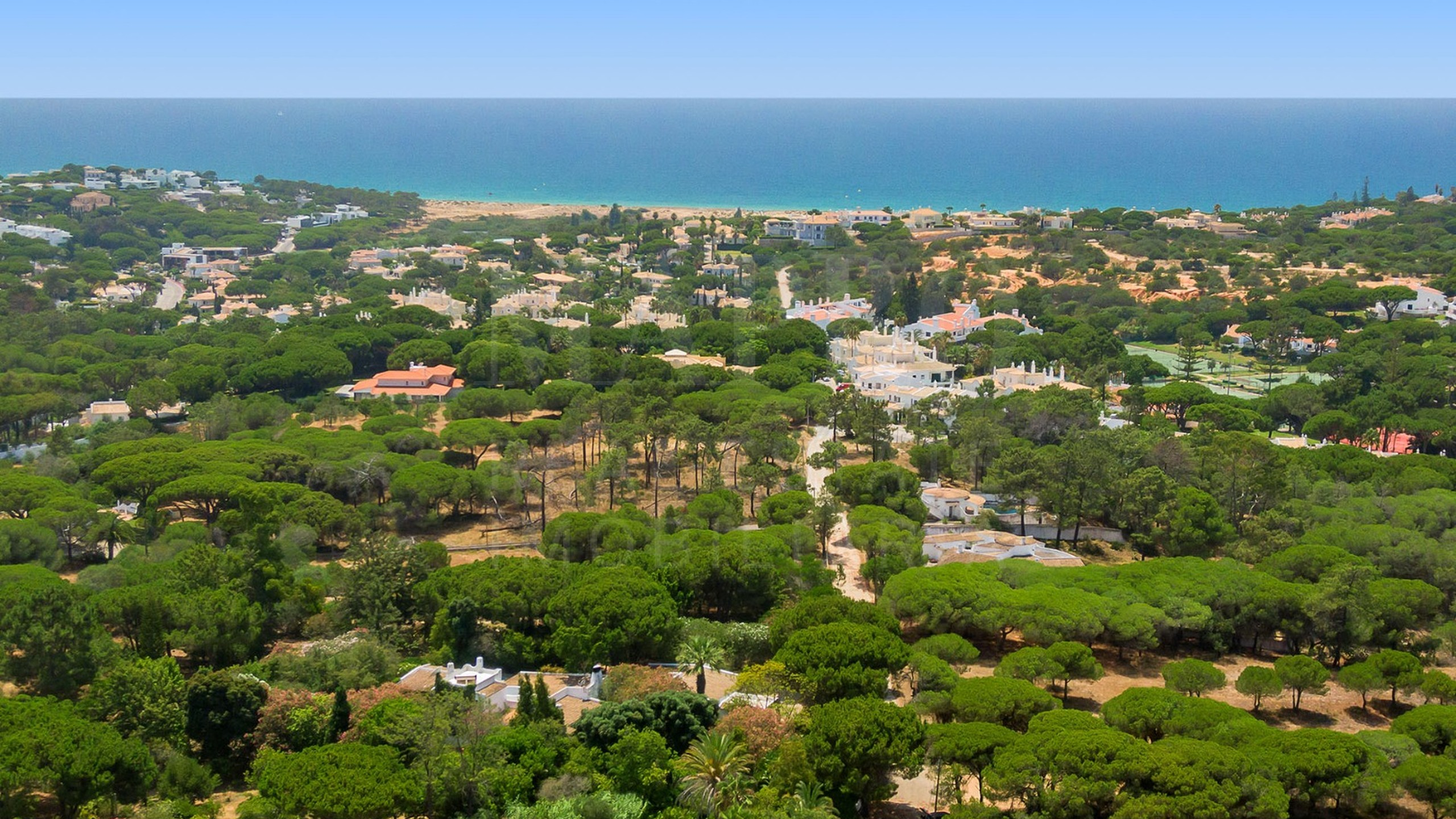Plot in a protected area of Vale do Lobo for sale