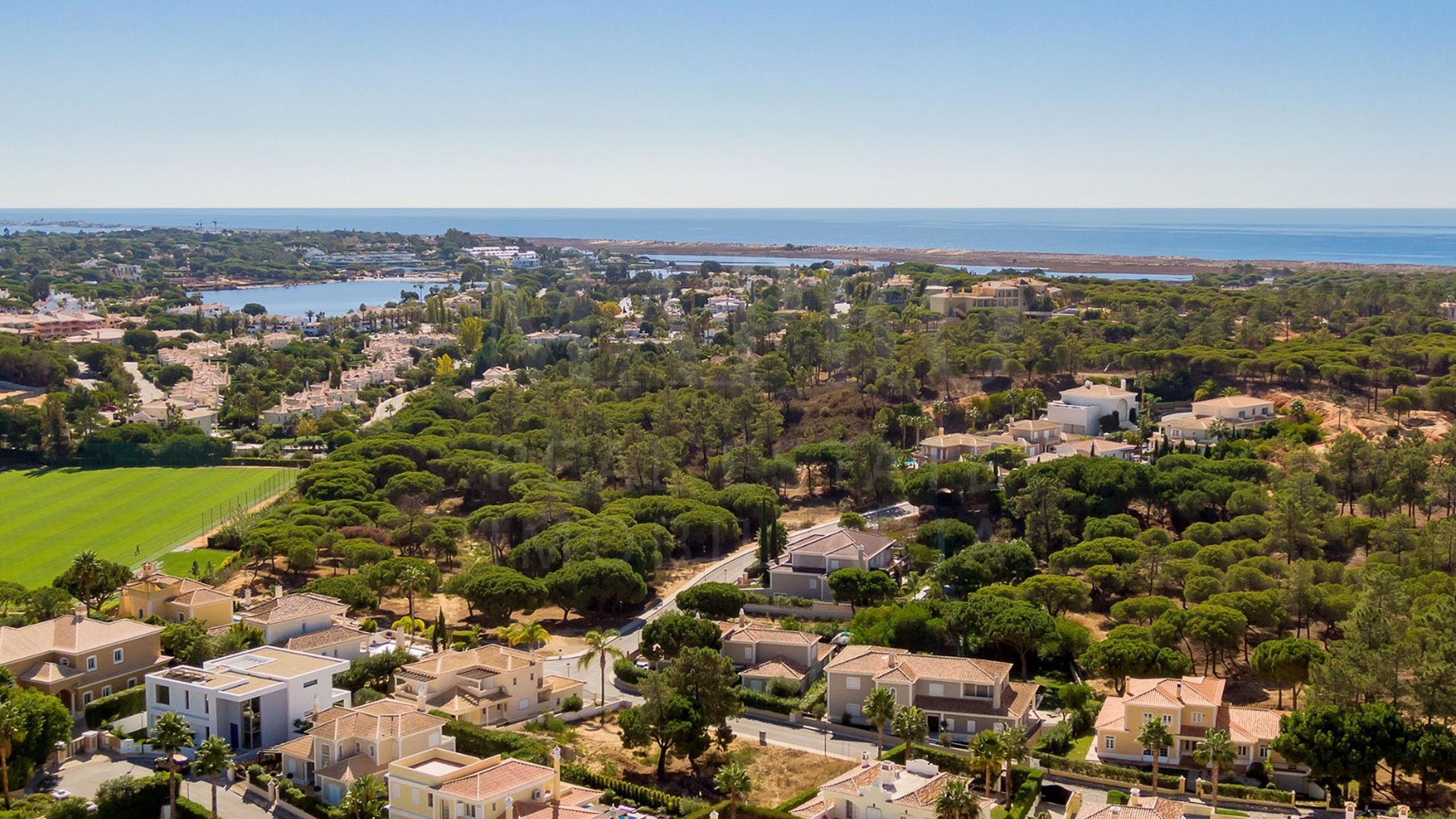 Terrain près de la plage à Quinta do Lago, Algarve