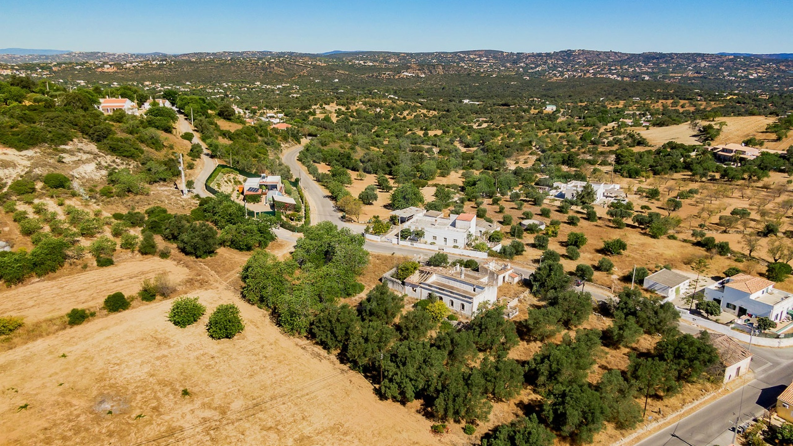 Plot for sale near Faro
