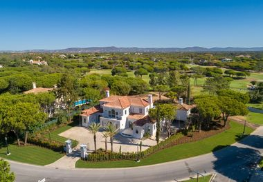 Modern Villa on the Golf