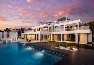 New Contemporary Villa