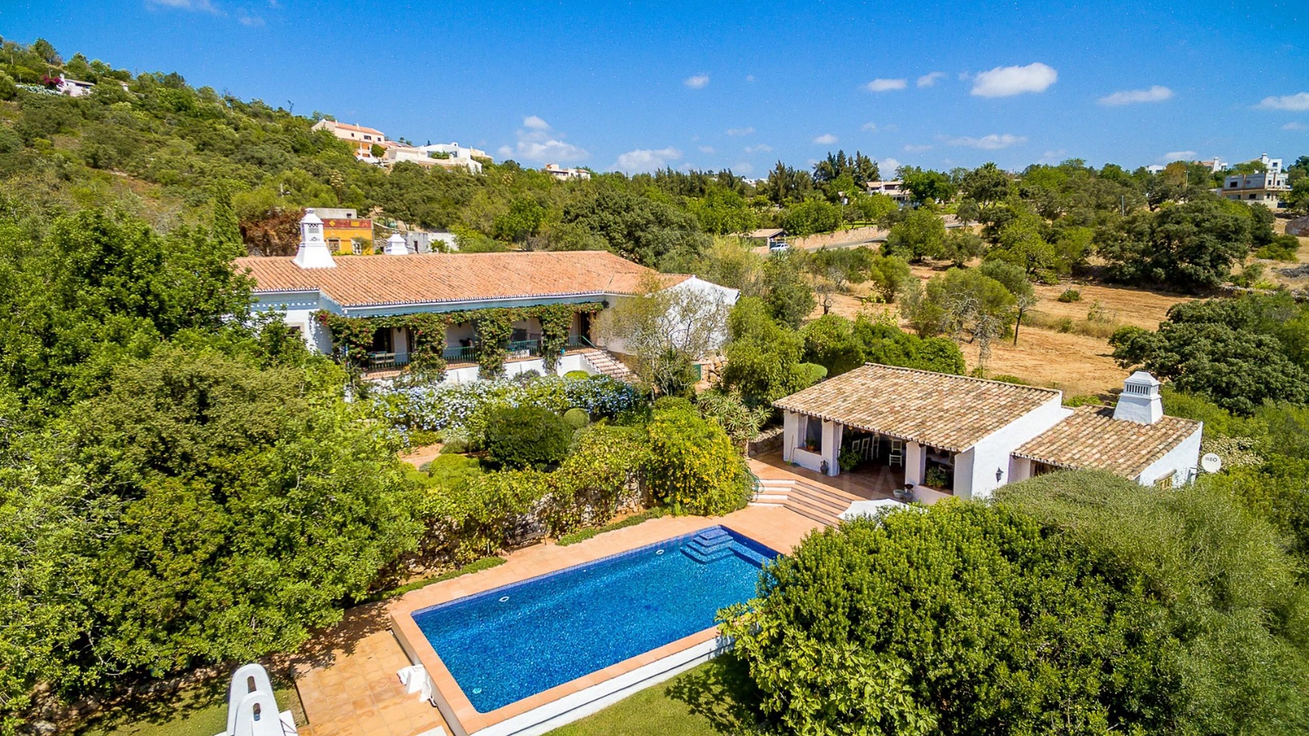 Propriedade à venda no Algarve com piscina